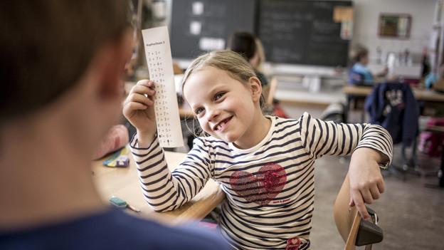 Hauptfächer wie Mathematik haben im Lehrplan 21 zu viel Gewicht, finden die Kantone.