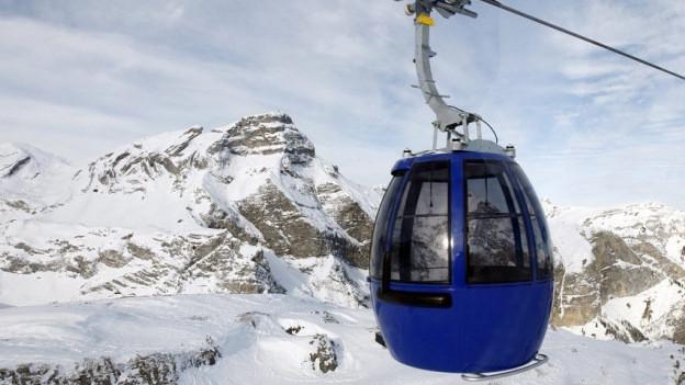 Gondelbahn in den Alpen.