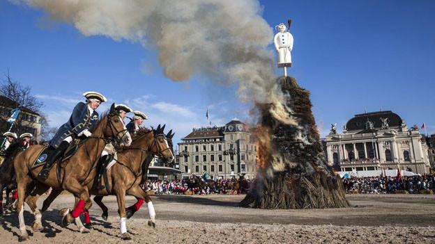 Das Zürcher Sechseläuten wird 2015 ohne Luzerner Gäste stattfinden.