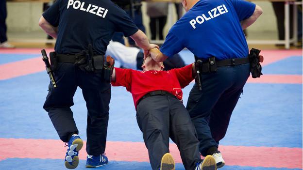 Was gehört künftig zur Ausbildung eines Polizisten? Solche Fragen spalteten die Schulleitung.