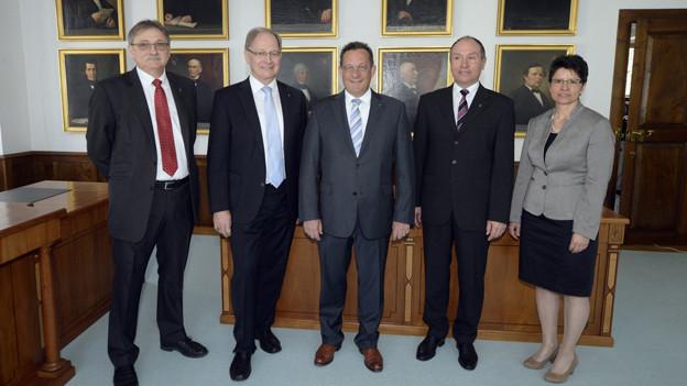 Die neue Obwaldner Regierung mit Maya Büchi.