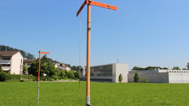 Bauprofile für das geplante Asylzentrum in Kriens.