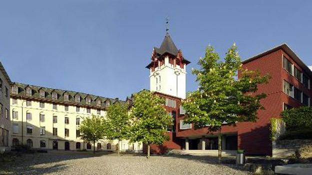 Die Schwyzer Mittelschulen halten nichts von den Sparvorschlägen der Regierung.