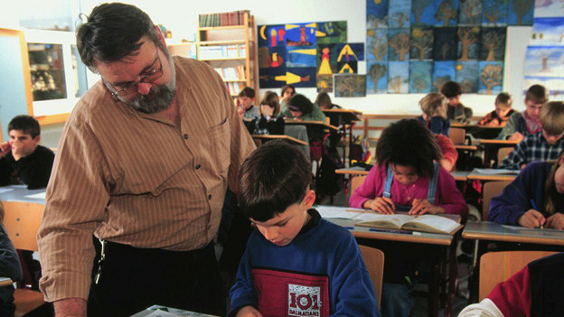 Lehrpersonen im Kanton Zug sollen künftig eine Lektion weniger unterrichten