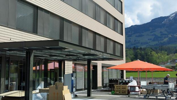 Nach 20-monatiger Bauzeit ist der neue Bettentrakt für das Kantonsspital Obwalden fertigt gestellt worden
