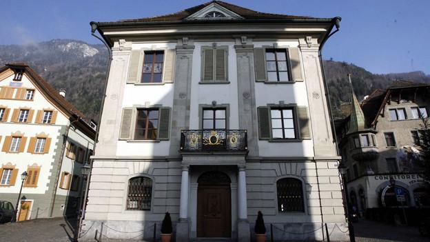 Urner Rathaus: Die Kantonsregierung will die Gemeinden zur Kasse bitten.
