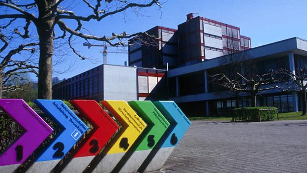 Die Kantonsschule Zug.