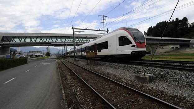 Regionalzug bei Ebikon