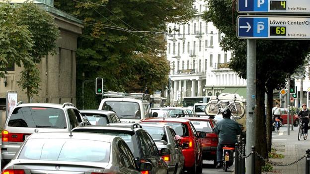 Die Stadtluzerner Verkehrspolitik sorgt für Diskussionen.