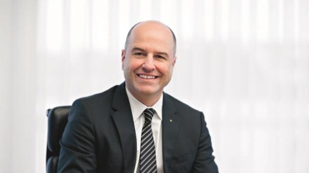 Daniel Salzmann übernimmt definitiv den Chefsessel bei der Luzerner Kantonalbank.