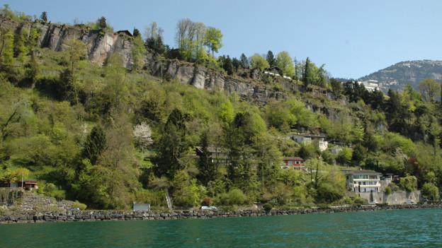 In der Horlaui in Weggis werden fünf Häuser geräumt.