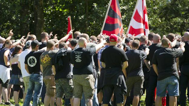Ein Hitlergruss sei nicht rassistisch, sagt das Bundesgericht.