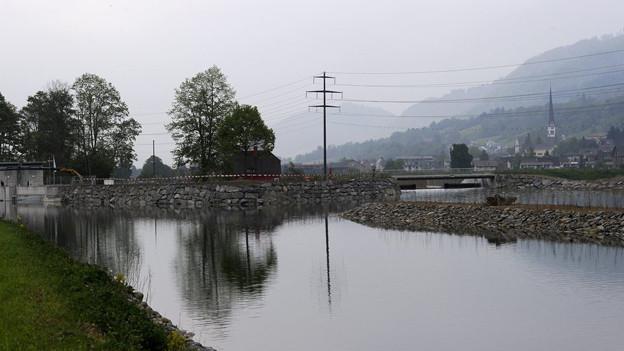 Hochwasserverbauungen bei Malters, verbunden mit einem Kleinwasserkraftwerk.
