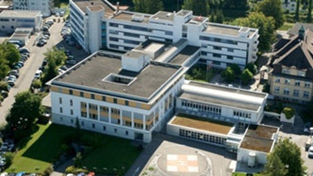 Das Spital Lachen aus der Vogelperspektive.