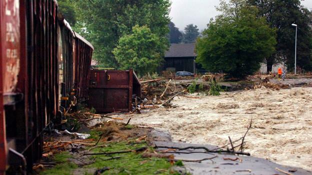 Hochwasser an der Kleinen Emme im Jahr 2005.