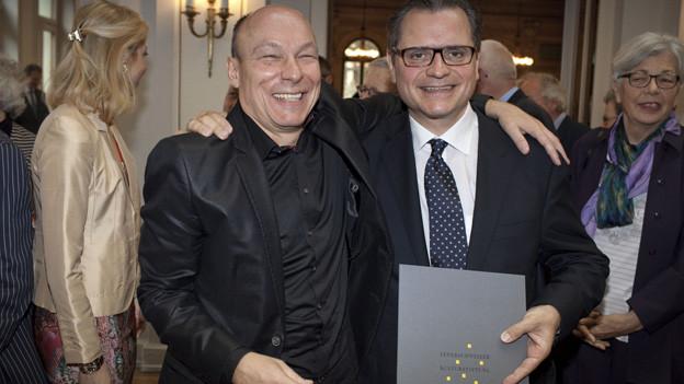 MIchael Haefliger (r) und Laudator Dieter Ammann