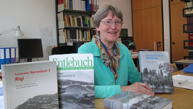 Erika Waser, Leiterin des Projekts Luzerner Namenbuch.