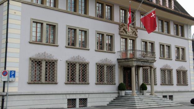 Die Schwyzer Regierung zum Kantonsrats-Wahlverfahren.Der Schwyzer Kantonsrat tagt auch im Regierungsgebäude.
