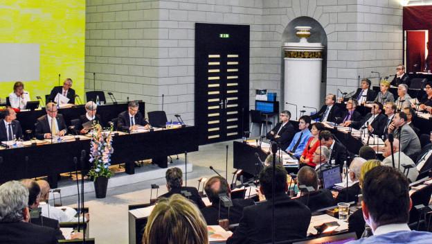 Luzerner Kantonsrat will Steuern nicht erhöhen.