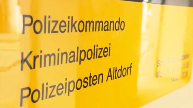 Schild der Kriminalpolizei in Altdorf