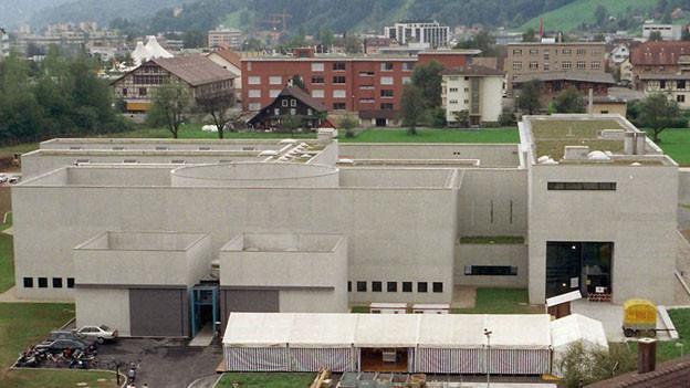 Das Gefängnis Grosshof in Kriens wird ausgebaut und auf 104 Haftplätze aufgestockt