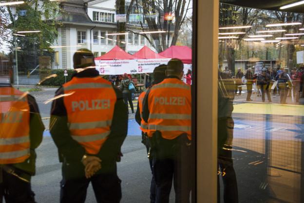 Künftig sollen Verursacher Polizeikosten übernehmen.