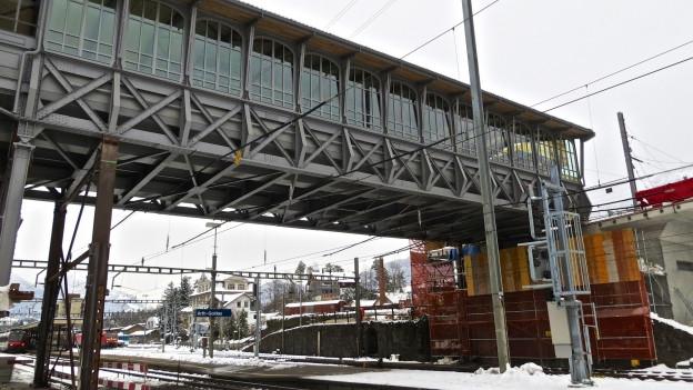 Der historische Hochperron der Arth-Rigi-Bahn.