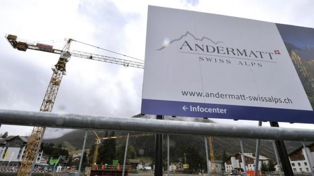 Eine Baustelle in Andermatt.