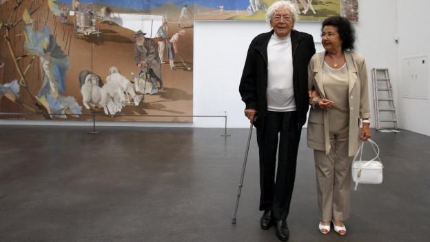 Hans Erni und seine Frau Doris im Kunstmuseum Luzern