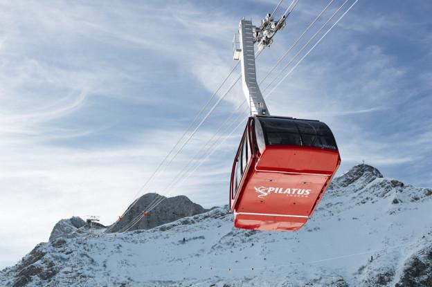 Die neue Luftseilbahn auf Pilatus-Kulm vom Winde verweht.