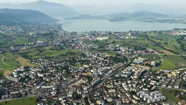 Der erfolgsverwöhnte Kanton Zug hat deutlich weniger Steuern eingenommen.