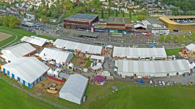 Luftaufnahme der Messe Luga.