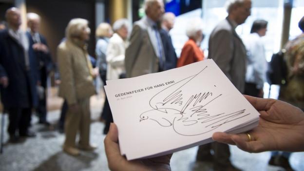 500 Menschen kamen an die Hans Ernis Gedenkfeier