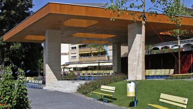 Das Dach des Pavillons am See in Weggis muss saniert werden.