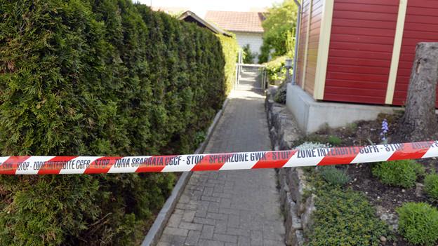 Polizeiliche Sperrzone: Der Tatort in Würenlingen.