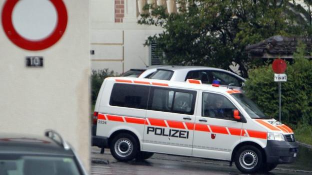 Polizeipatrouille in Schwyz unterwegs.