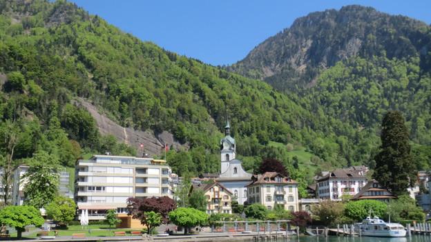 Dorf Vitznau am Vierwaldstättersee.