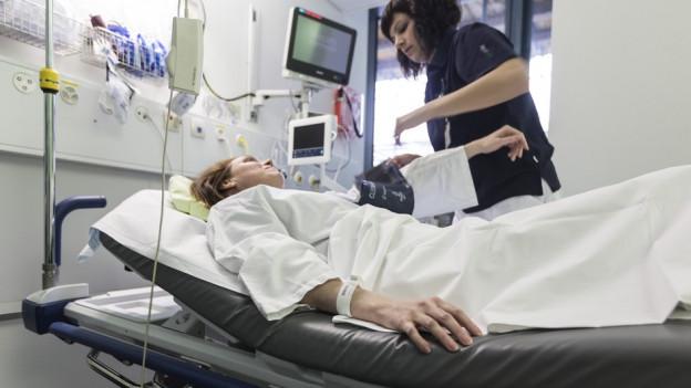 Eine Patientin im Spital (Symbolbild).