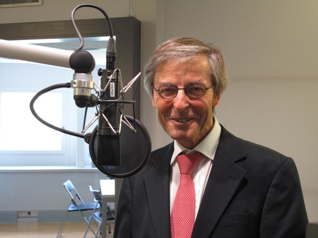 Uni-Rektor Paul Richli schreibt Stellen für Wirtschaftsfakultät aus.