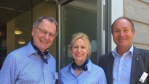 Sanieren das Ausflugsgebiet Lungern-Schönbüel: Investor Theo Breisacher (v.l.n.r.) mit Unternehmensleiterin Brigitte Breisacher und Volkswirtschaftsdepartementsvorsteher Niklaus Bleiker.