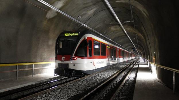 Am Sonntagnachmittag blieb ein Zug der Zentralbahn im Engelbergrunnel stecken