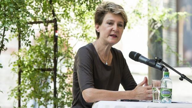 Bundespräsidentin Sommaruga hält wenig von den Luzerner Forderungen.