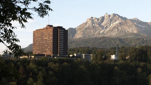 Das Hauptgebäude des Kantonsspitals in Luzern.