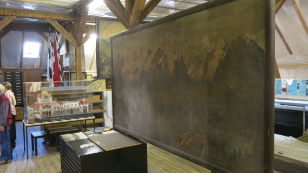 Grosses Wandbild aus einem SBB-Bahnhof