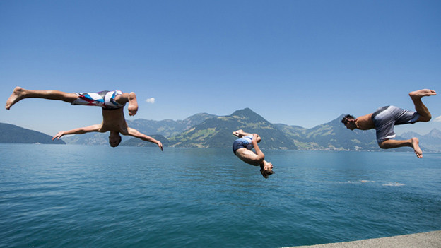 Sprung ins Wasser: Viele Badis verzeichnen Rekordzahlen.