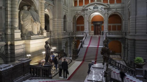 Wer steigt für den Kanton Schwyz die Bundeshaustreppe hoch?