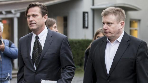Am zweiten Prozesstag: Verteidiger Linus Jäggi und Ignaz Walker auf dem Weg ins Gericht.
