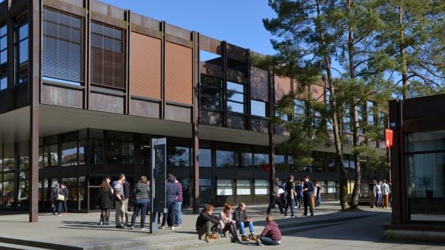 Der Kanton Schwyz trägt die Hochschule Rapperswil weiter mit