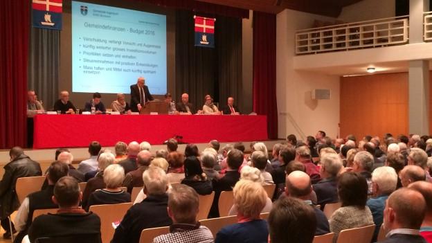 Grosses Interesse an der Gemeindeversammlung von Ingenbohl-Brunnen.