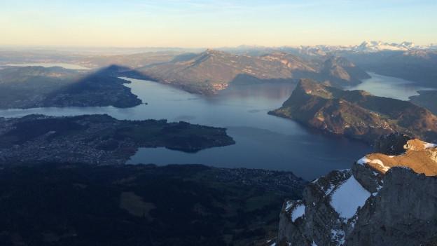 Blick auf die Zentralschweizer Bergwelt vom Pilatus aus.